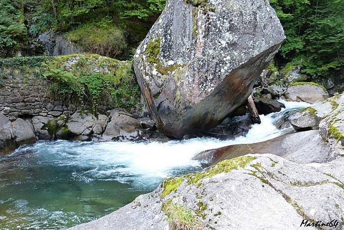 Route des cascades P1000072