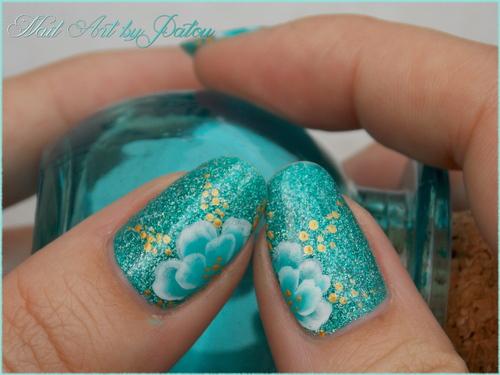 One stroke turquoise - inspiration Nail Art Sakura