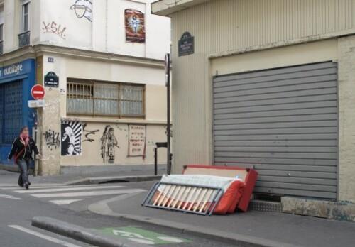 street-art Oberkampf Indien matelas