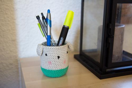 Mylène - Crochet : Un pot à crayons