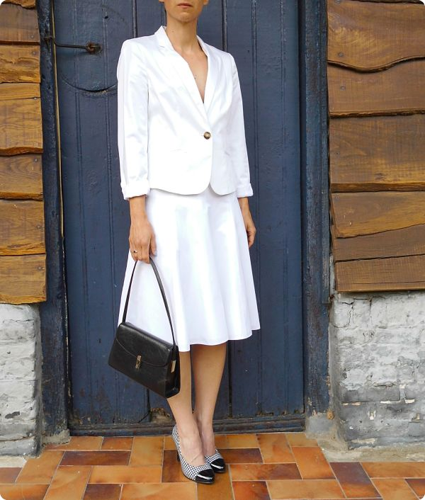 Robe blanche évasée #2