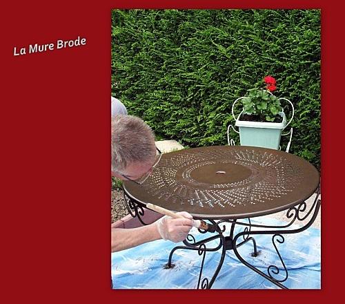 2012-05-11-table-fer-forge-escabeau.jpg