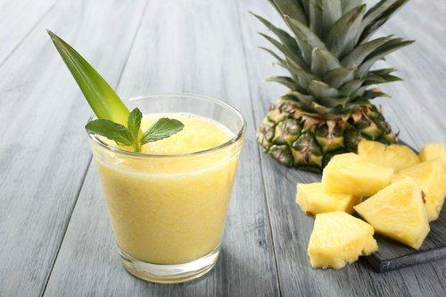 Smoothie-aloe-vera-concombre-ananas-500x334