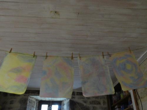 Aquarelle sur papier mouillé pour réaliser photophores et lanternes Waldorf