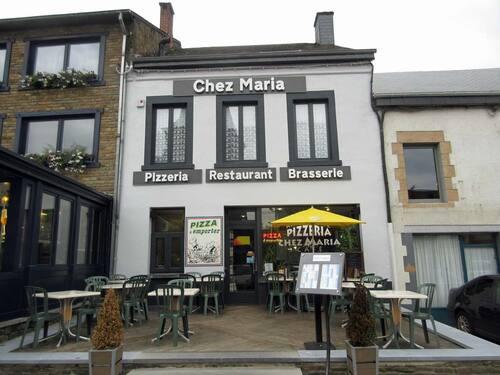 """Restaurant """"Chez Maria"""" sur la place de Bohan rénové"""