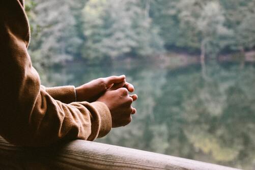 L'acceptation : la clé du bonheur ? - Esprit Yoga   Energie ...