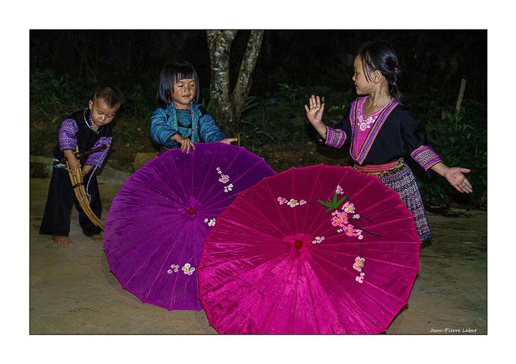 De la fine fleur (HMong) d'artistes  (cliquer sur la photo)
