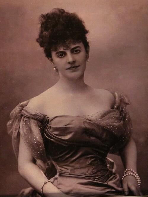 ELISABETH DE RIQUET DE CARAMAN-CHIMAY (LA COMTESSE GREFFULHE)