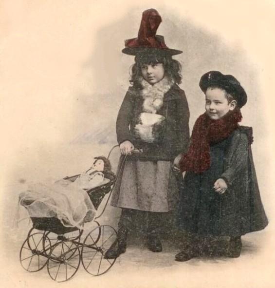 Blog de sylviebernard-art-bouteville : sylviebernard-art-bouteville, Anciennes voitures pour les bébés.