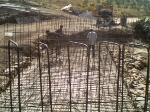 مشروع بناء قنطرة في بويخباش تعرف تقدما في الاشغال ودوار المختاريين في حاجة الى الكهرباء