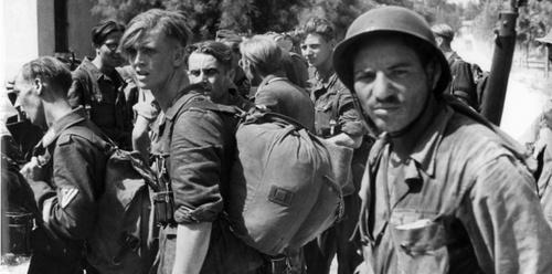 """""""La mémoire a blanchi le débarquement en Provence"""" sauf pour un groupuscule d'extrémistes, héritiers de l'OAS (voir à la fin)"""