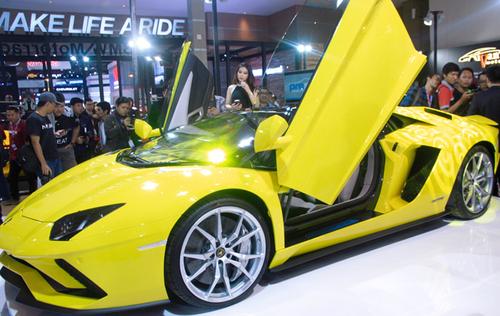 Trik Aman dan Mudah Modifikasi Pintu Mobil Anda Layaknya Mobil Sport Lamborgini