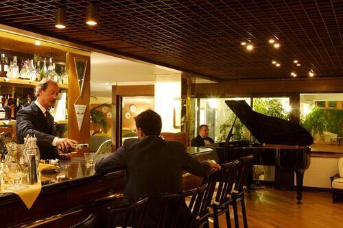 Le piano-bar...