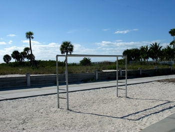 fitness-beach-pull-ups-1-425x319