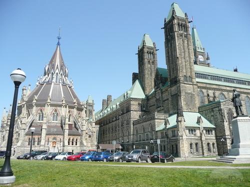 La Bibliothèque du parlement à Ottawa (Ontario)