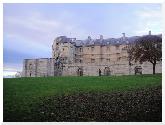 Le Tour du château de Vincennes. 04