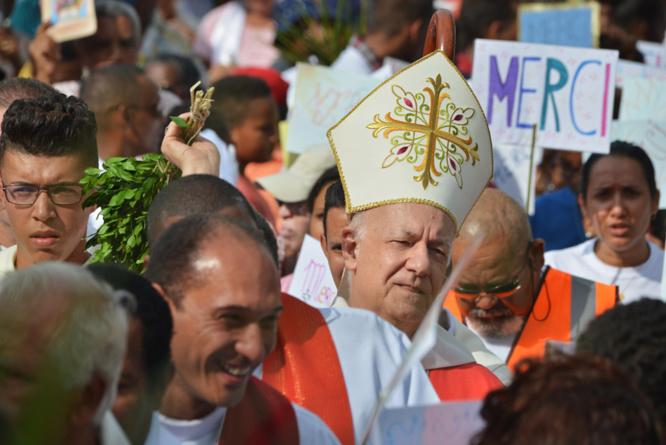 Messe au Chaudron: Le Saint-Esprit célébré par des milliers de fidèles