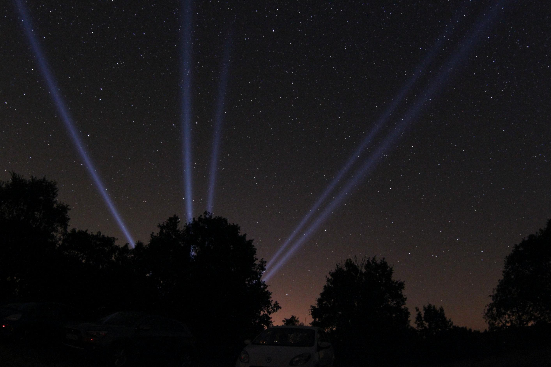 http://ekladata.com/0yMeoJmXGWW8pGJfLJKupSPz1io/RAGBR-72-sky-tracer.jpg