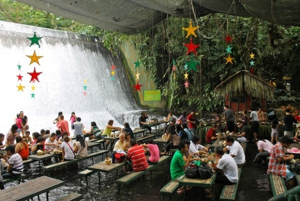 Waterfall-Restaurant-in-Phillipines-1