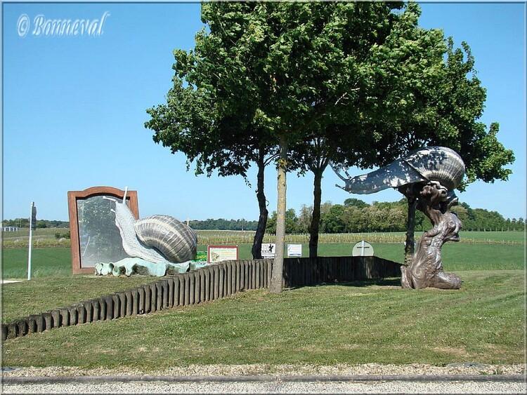 Rond-point Lorignac les cagouilles charentaises J.L. Plé Charente-Maritime