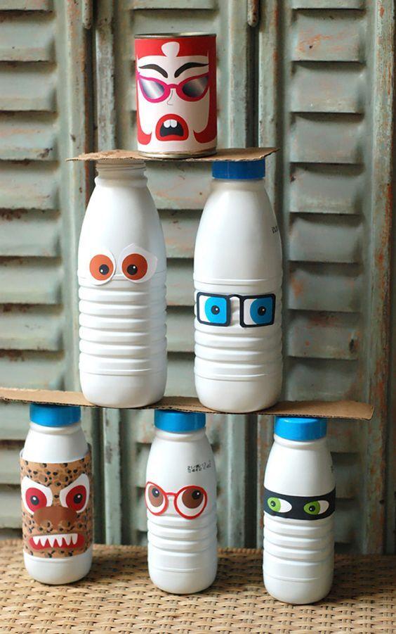 IMAGE : Chamboule tout avec des bouteilles de lait