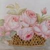 Panier de roses romantiques