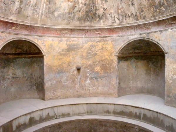 Pompei, thermes du Forum, frigidarium