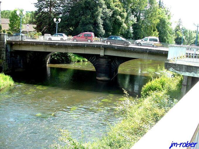 Auvergne: Pontgibaud, un petit village bâti début VIème Siècle sur des coulées de laves