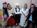 Les CM2 déguisés pour le carnaval 2014.