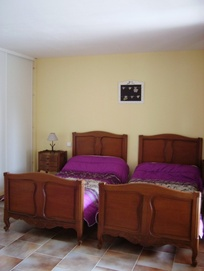 Chambre 2 : 3 lits 90