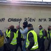 """""""Gilets jaunes"""" : une note du procureur de la République de Paris préconise de ne lever les gardes à vue qu'après les manifestations"""
