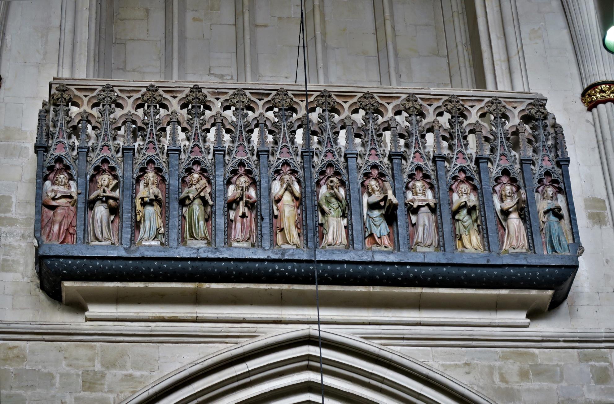 EXETER. Cathédrale: Les anges ménestrels (XIV)