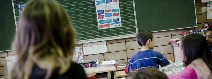 Depuis 2013, une charte est venue expliciter, dans les écoles, les textes fondateurs du principe de laïcité à l\'école.