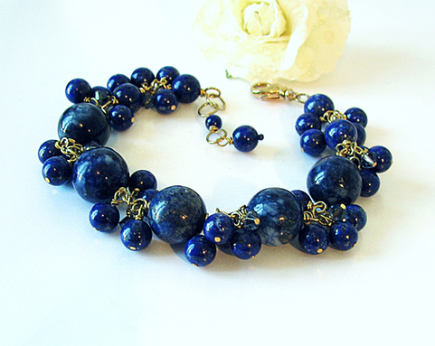 Bracelet Grappe Lapis-Lazuli naturel / plaqué or sur laiton Gold plated