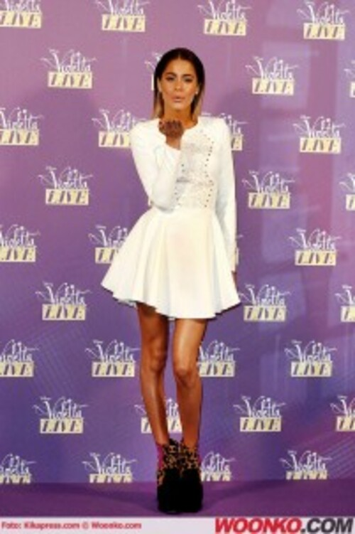 http://www.woonko.com/wp-content/uploads/2015/01/martina-stoessel-violetta-live-2015-milano-6-201x302.jpg