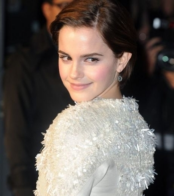 emma-waston-a-irradie-londres-lors-de-l-avant-premiere-de-my-week-with-marilyn_105898_w460