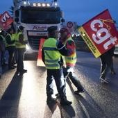 """VIDEO. Crise des routiers: Les syndicats """"effarés"""" après leur réunion avec la ministre des Transports"""