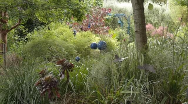 Jardin Jardinier : Bretagne : le jardin d'Alain (Arrosoirs et Sécateurs)