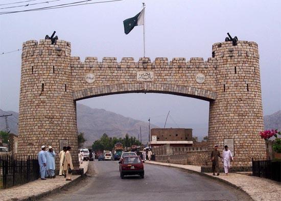 Anciennes portes de la passe de Khyber au Pakistan