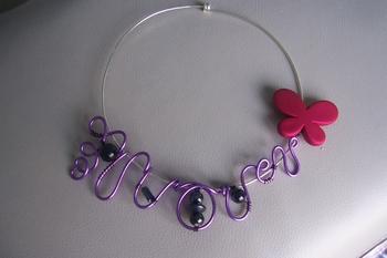 collier alu violet 14euros