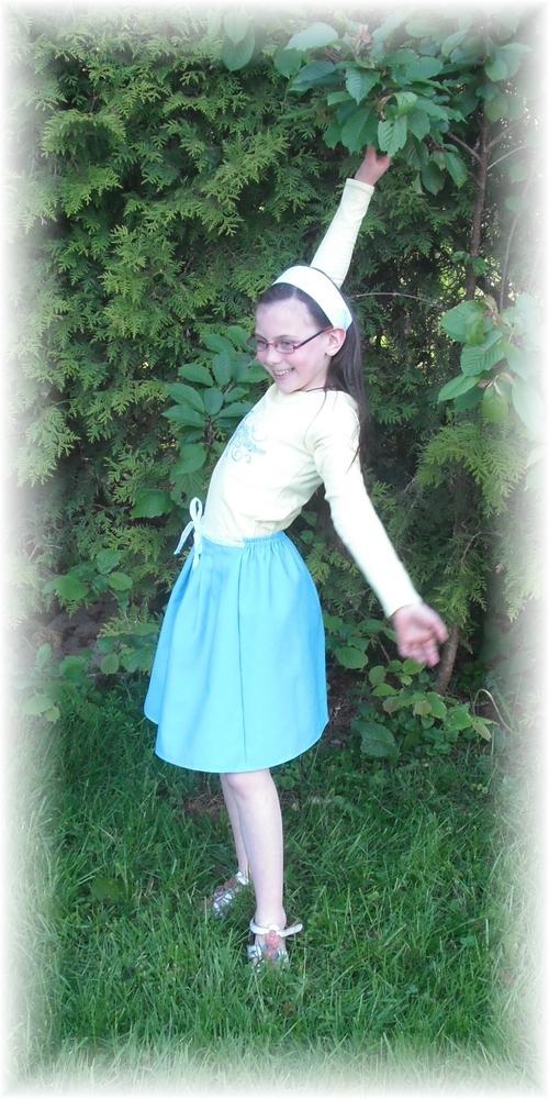 Une jupe, un tee shirt et un bandeau pour ma presque 9 ans :)