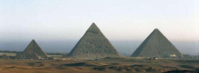 Deux cavités inconnues découvertes dans la pyramide de Khéops