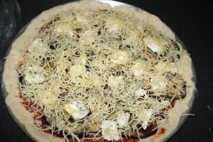pizza-piquante-aubergine-chevre-10-11--4-.JPG