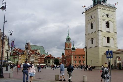 Grand tour d'Europe du nord comprit le Cercle Polaire.