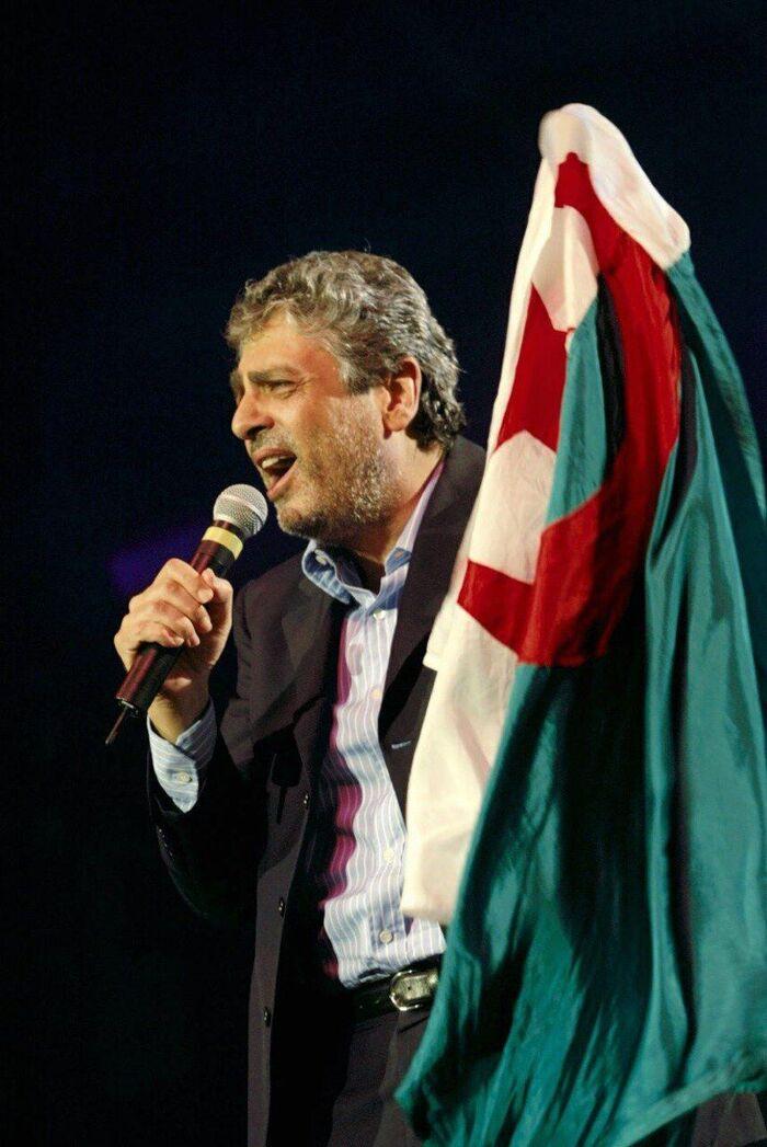 Enrico Macias ne nous dit pas tout !!!  mais il espère que la jeunesse algérienne  qui n'a pas connu la guerre d'indépendance  sera plus tolérante pour lui ?