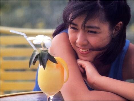 Photobooks : ( |25.11.1985| Momoko Kikuchi : MOMOKO SHINING WIND )
