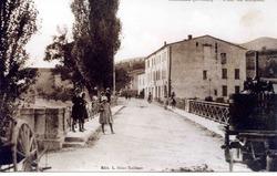 —- Pont du Rieussec et ancienne gendarmerie - années 1920 / 1940 - image / photo pouvant être protégée par Copyright ou autre —-