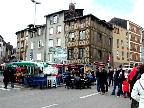 Limoges : Un voyage aux puces de la Cité de la cathédrale  (2)