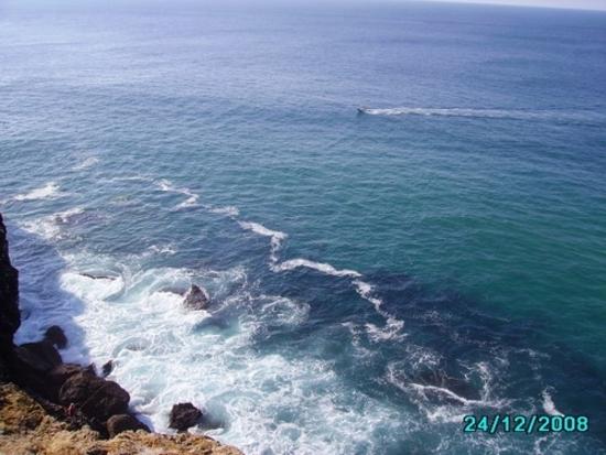vue de l\'océan du haut de la falaise - sagres