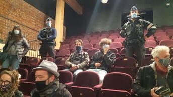 Still standing for culture: intervention de la police au théâtre Monty, des spectateurs verbalisés